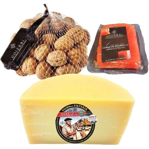 Queso con Membrillo y Nueces - Medio Queso Blanco Idiazabal - Bocaditos de queso, membrillo y nueces